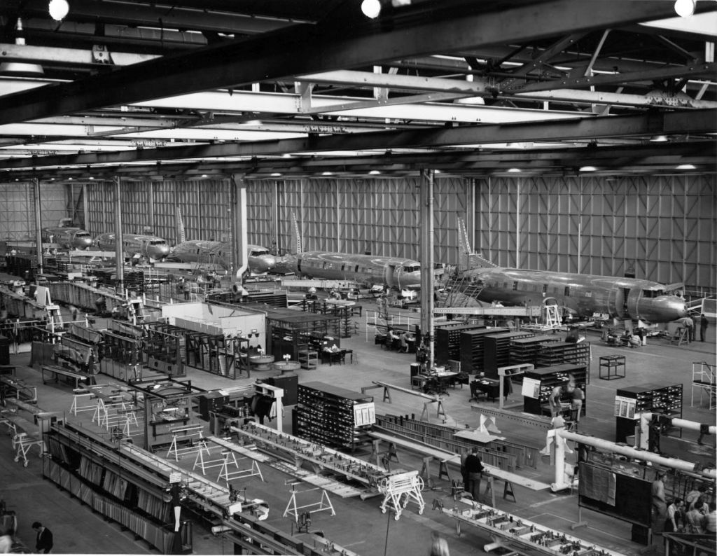 Airplane assembly warehouse